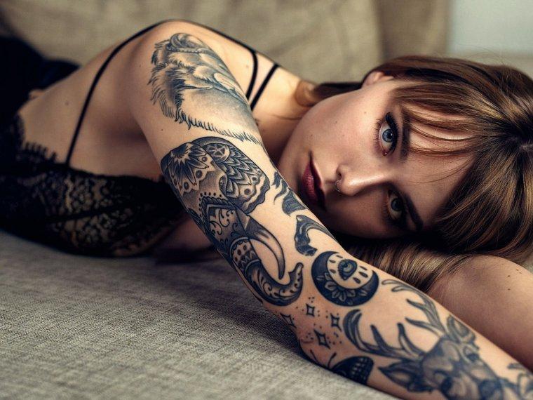 Девушки с красивыми татуировками - новая подборка 15