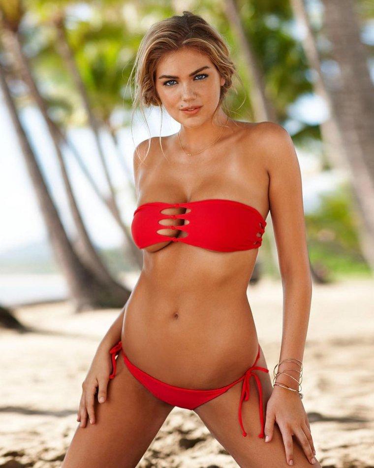 Красивые девушки в бикини на пляже (28 фото) 2
