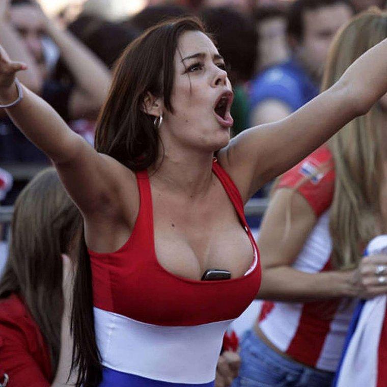 Футбольные болельщицы - Фото красивых фанаток 2