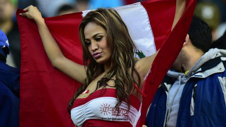 Футбольные болельщицы - Фото красивых фанаток 3