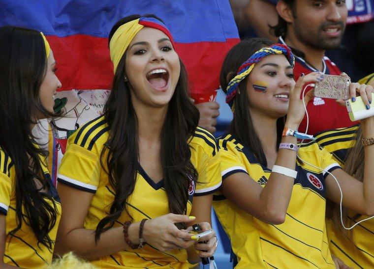 Футбольные болельщицы - Фото красивых фанаток 4