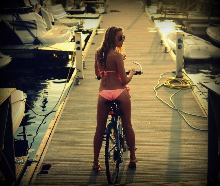 Сексуальные велосипедистки - Фото красоток на велосипедах 2