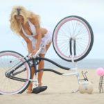 Сексуальные велосипедистки - Фото красоток на велосипедах 18