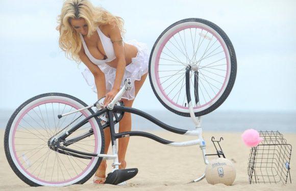 Сексуальные велосипедистки - Фото красоток на велосипедах