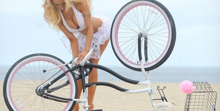 Сексуальные велосипедистки – Фото красоток на велосипедах