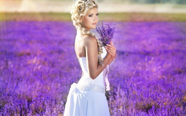 Роскошные блондинки в белых платьях: любуемся 10