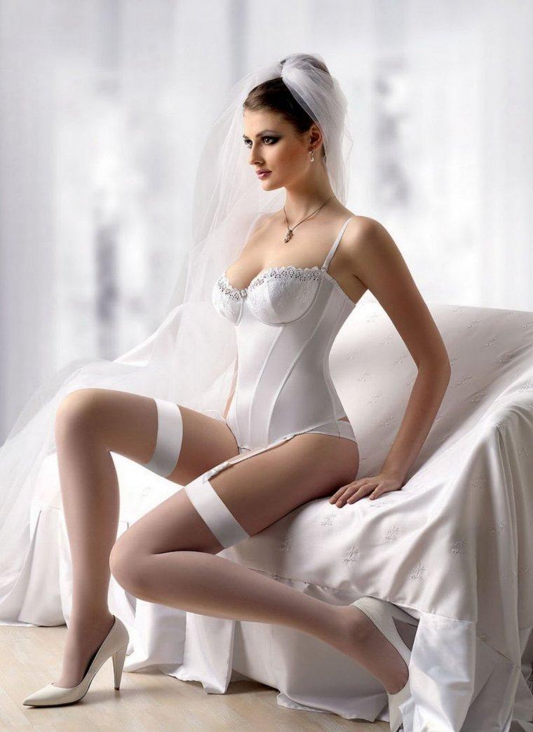 Сексуальные невесты в нижнем белье: повезло же кому-то 14