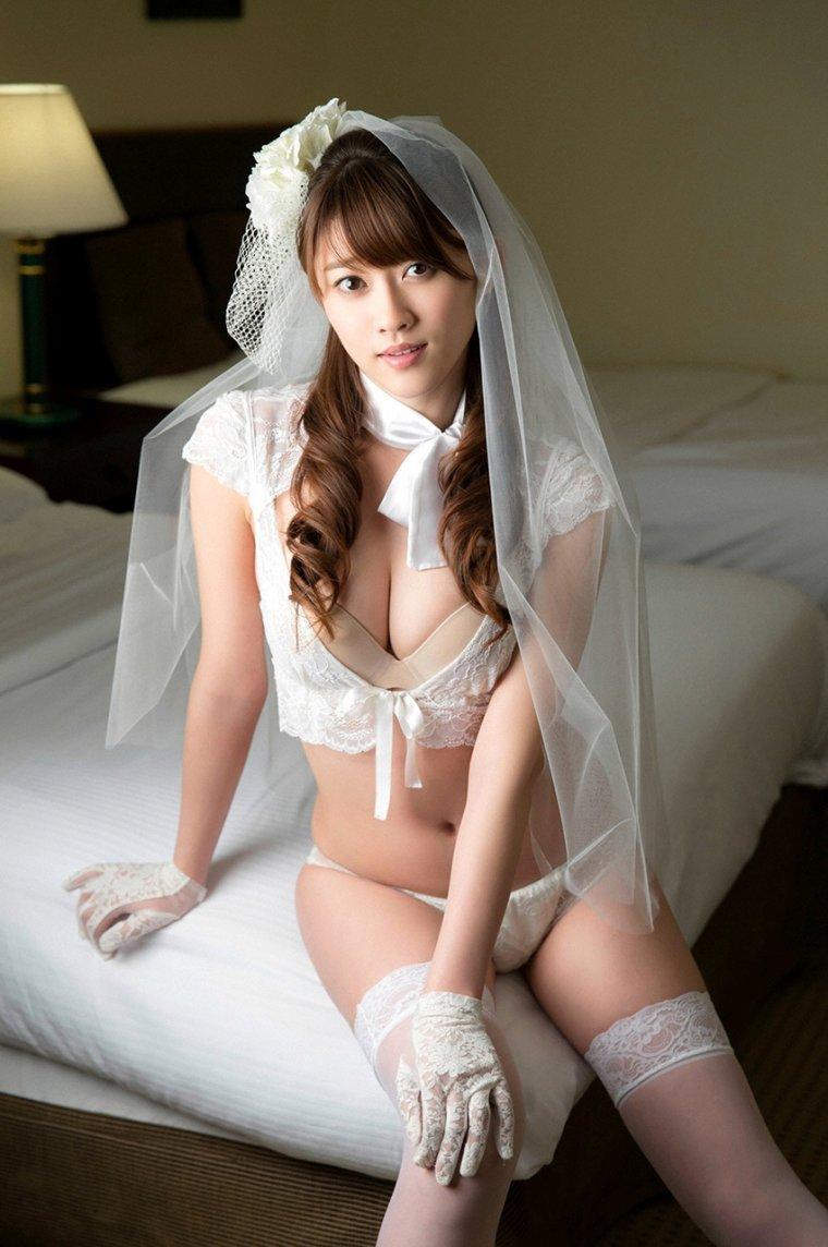 Сексуальные невесты в нижнем белье: повезло же кому-то 15