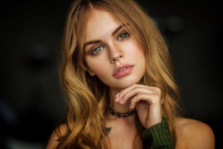 Красивые зеленоглазые девушки: фото крупным планом 3