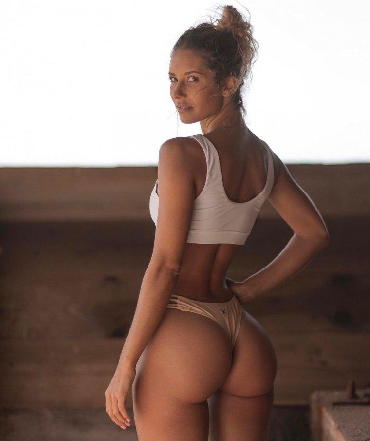 Красивые девушки с большими попками: фото подборка 10