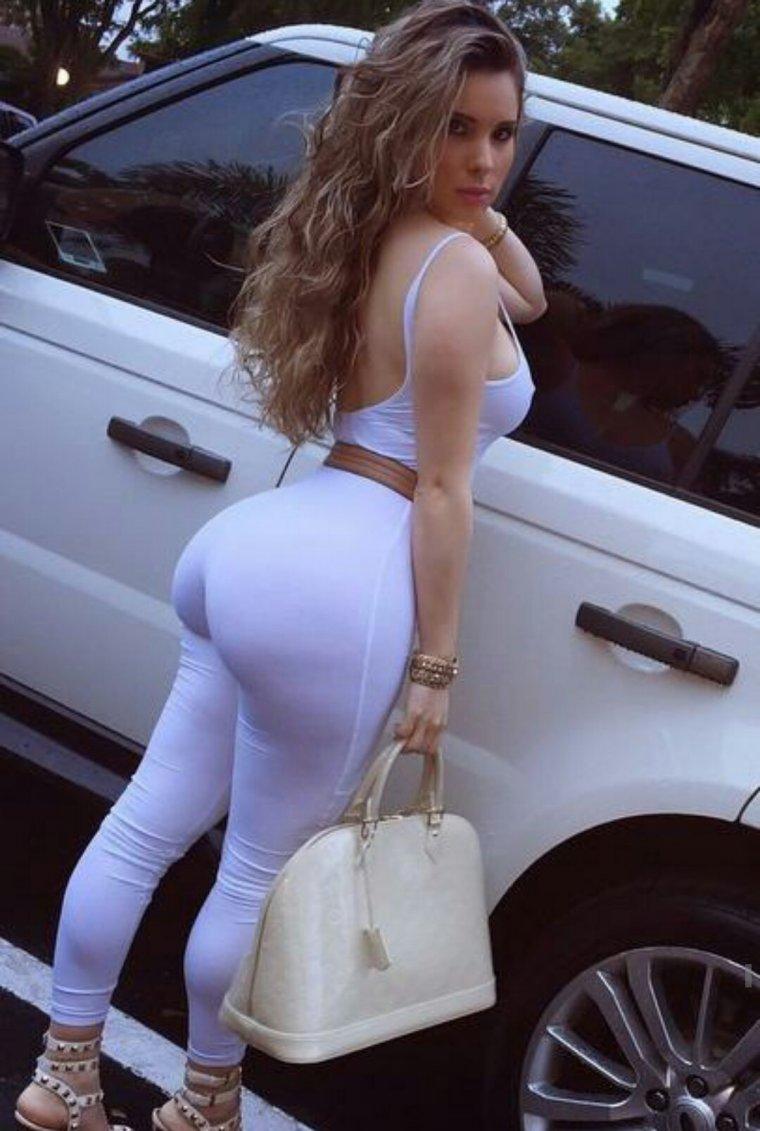 Красивые девушки с большими попками: фото подборка 11
