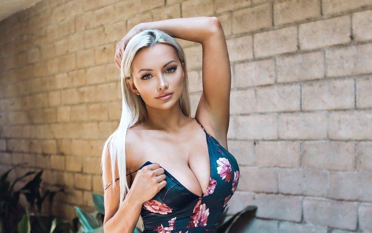 Молодые девушки с большой натуральной грудью: захотелось? 8