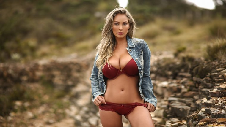 Молодые девушки с большой натуральной грудью: захотелось? 10