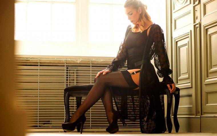 Женщины в чулках: фото зрелых красоток 40+ 5