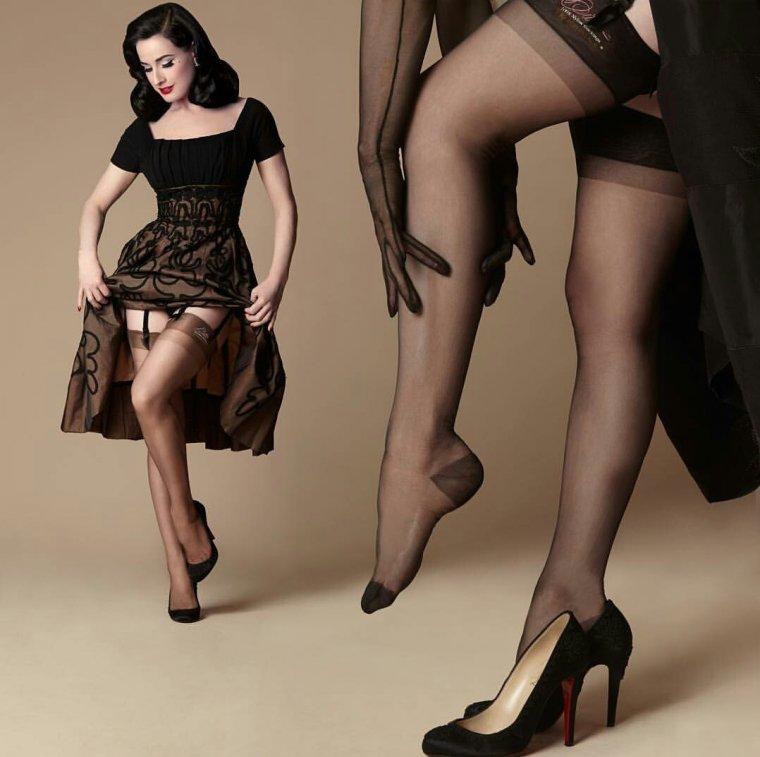 Женщины в чулках: фото зрелых красоток 40+ 12