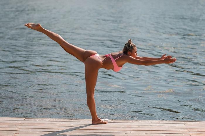 Хлоя Терэ (Khloe Terae) - горячая канадская бикини модель любит заниматься йогой 6