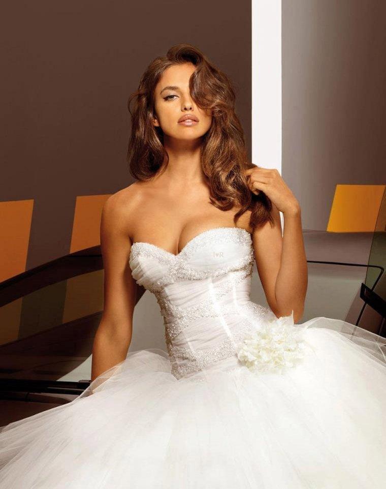 Красотки в свадебных платьях: захотелось? 7