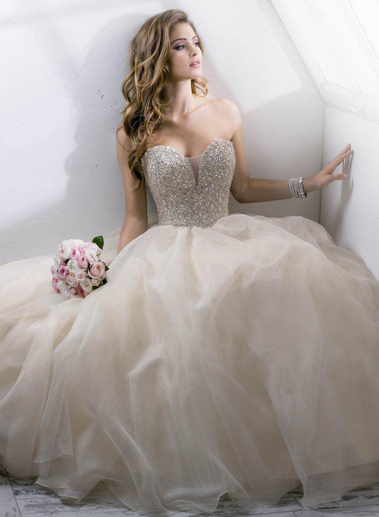 Красотки в свадебных платьях: захотелось? 8