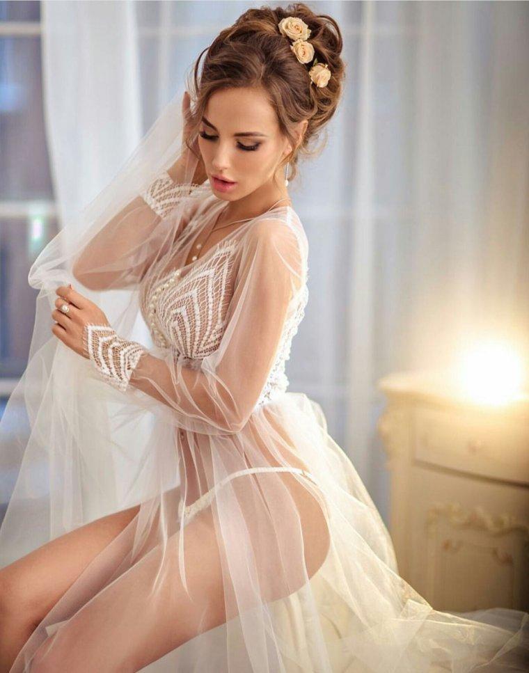 Красотки в свадебных платьях: захотелось? 11