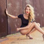 Красавицы блондинки на высоких каблуках: эффектные фото 1