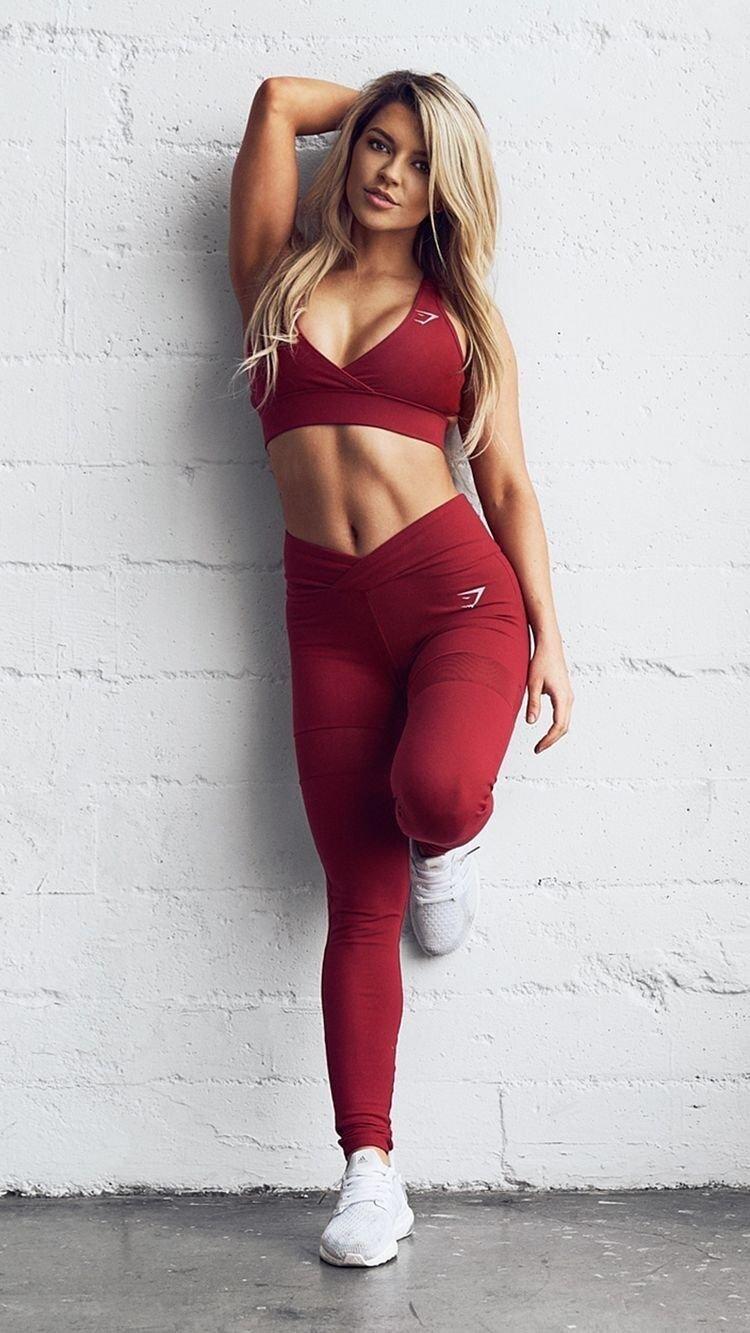 Красивые девушки в одежде для фитнеса (Фото) 2