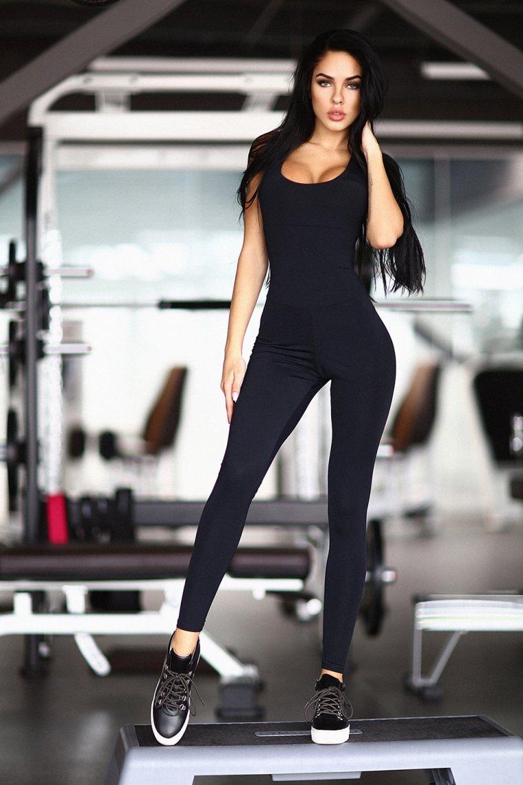 Красивые девушки в одежде для фитнеса (Фото) 10
