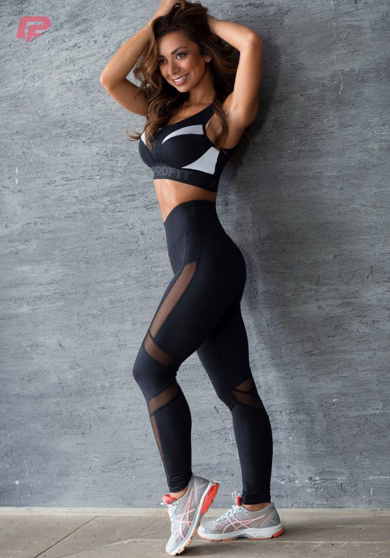 Красивые девушки в одежде для фитнеса (Фото) 13