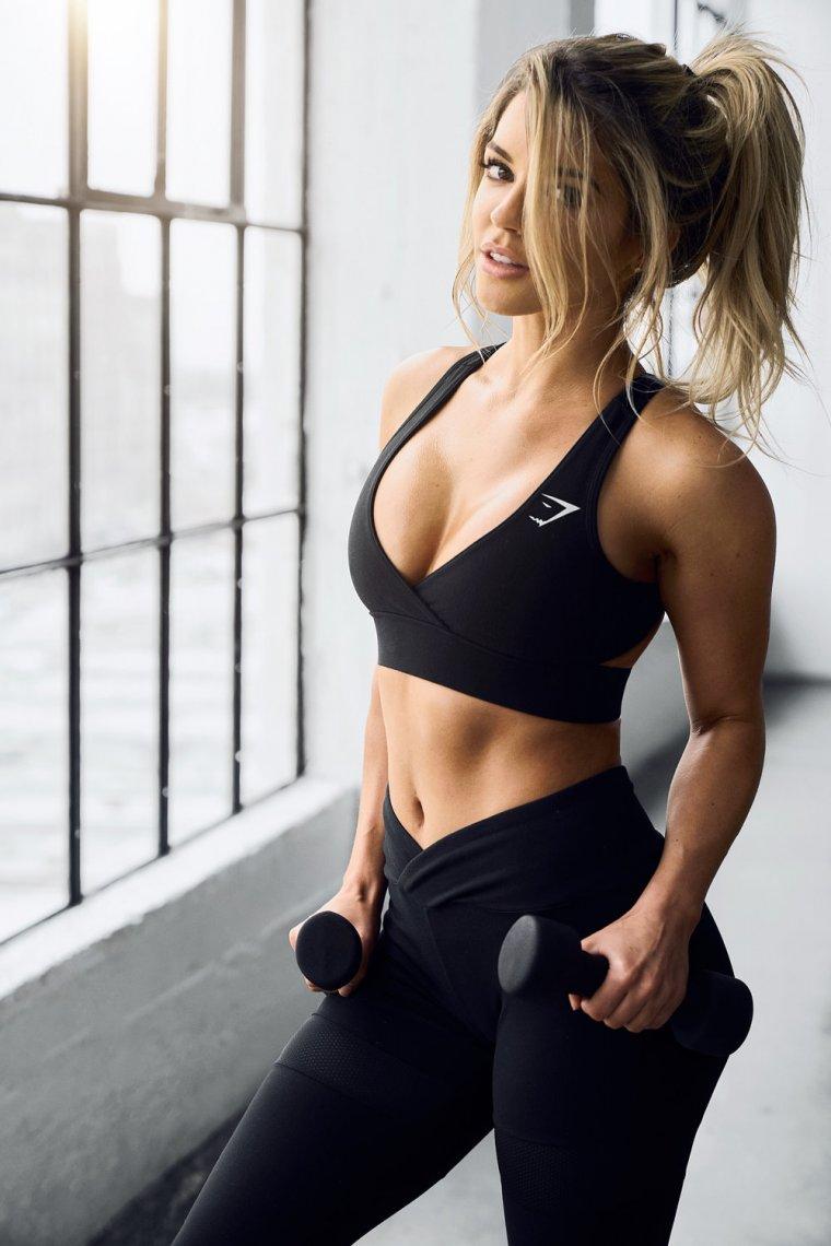 Красивые девушки в одежде для фитнеса (Фото) 14