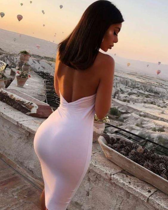 Жгучие брюнетки в облегающих платьях: страстные красавицы 6