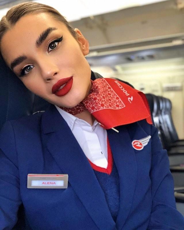 Алена Глухова - самая горячая стюардесса в мире из России 7