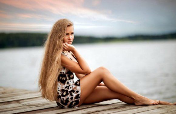 Красивые русые девушки с длинными волосами: сексуальные фото
