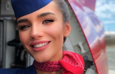 Алена Глухова - самая горячая стюардесса в мире из России