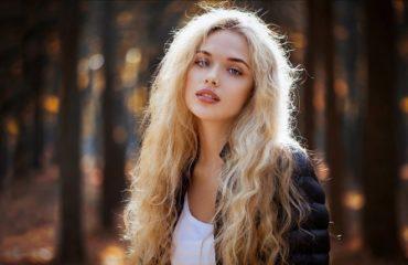 Блондинки с очень длинными волосами (16 фото)