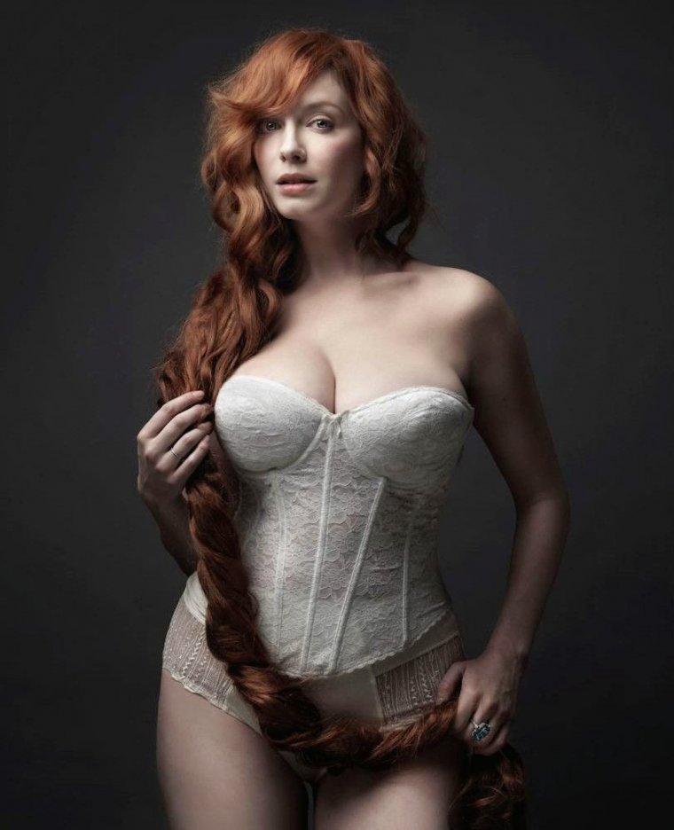 Рыжие девушки с большой грудью: сочные и яркие 3