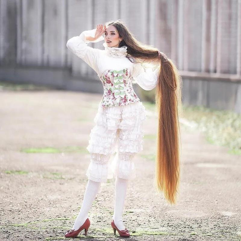 Алена Ануфриева - «Рапунцель» из Украины с волосами до пят 8