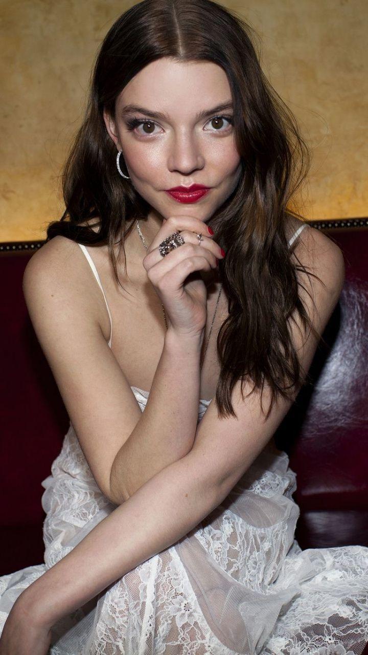 Аня Тейлор-Джой (Anya Taylor Joy) - Горячие фото королевы шахмат 4