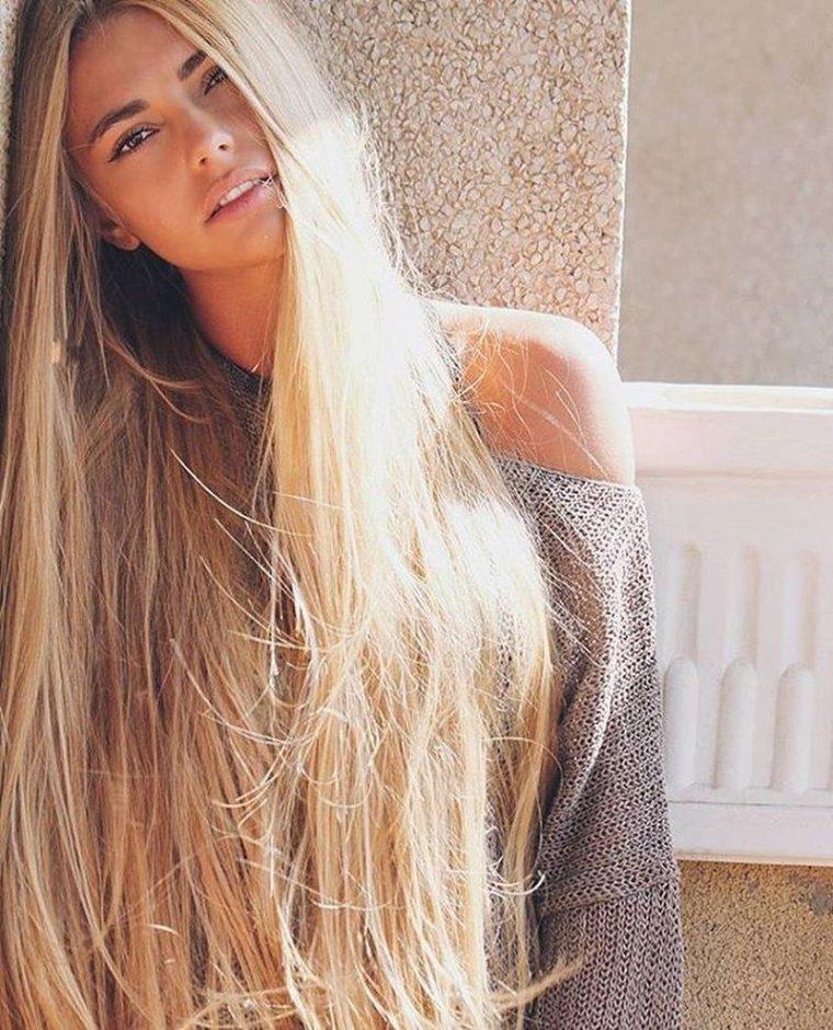 Блондинки с очень длинными волосами (16 фото) 16