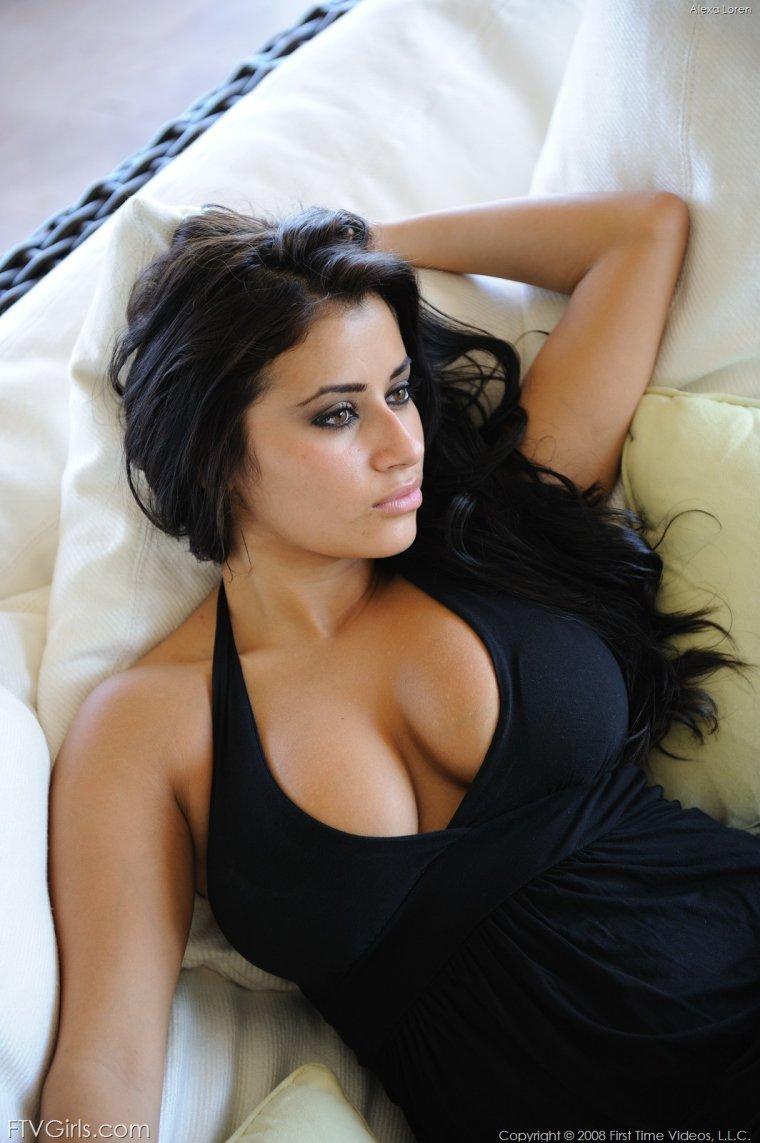 Фото красивых армянок с большой грудью: темноволосые леди 7