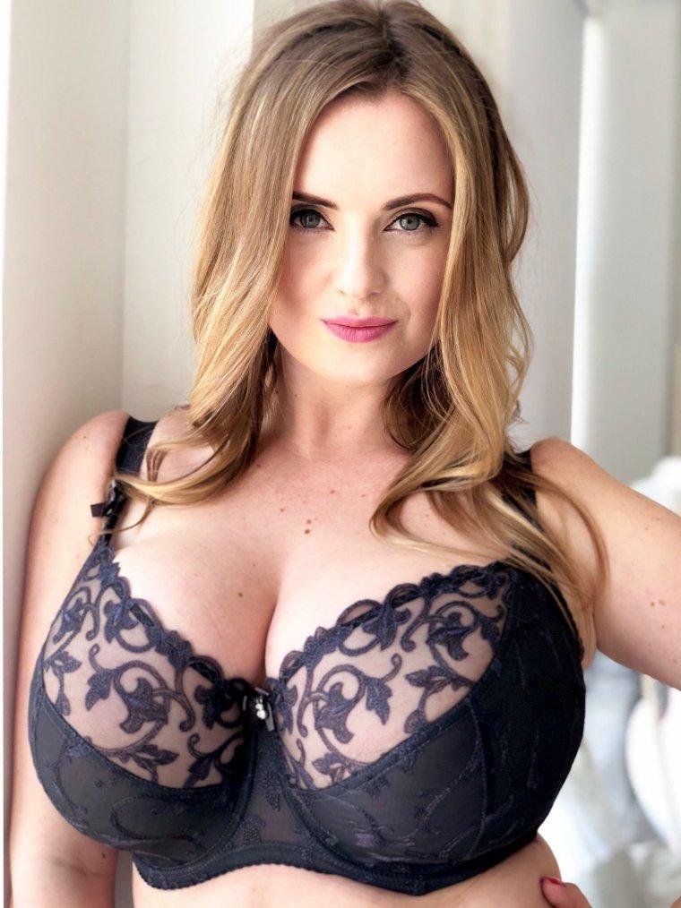 Красивые пышечки с большой грудью: фото подборочка 4