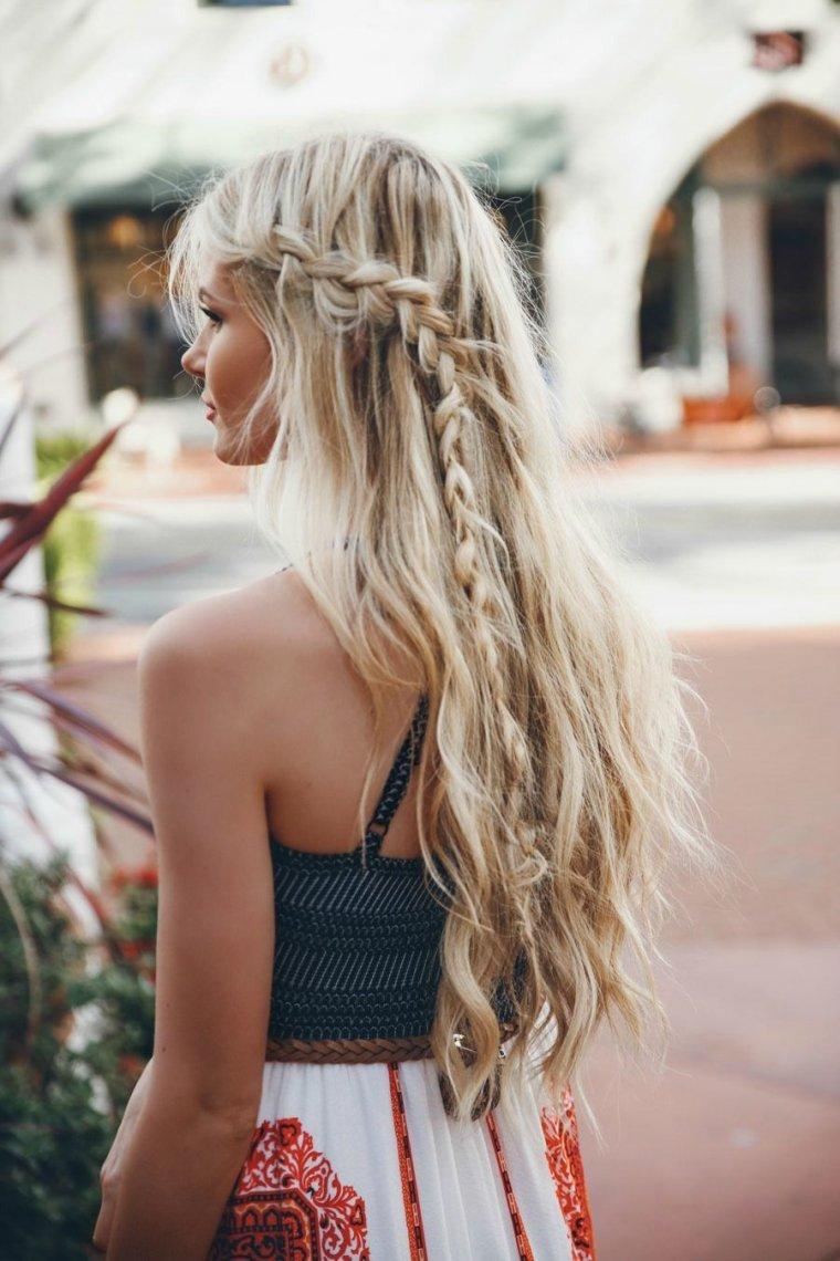 Блондинки с очень длинными волосами (16 фото) 4