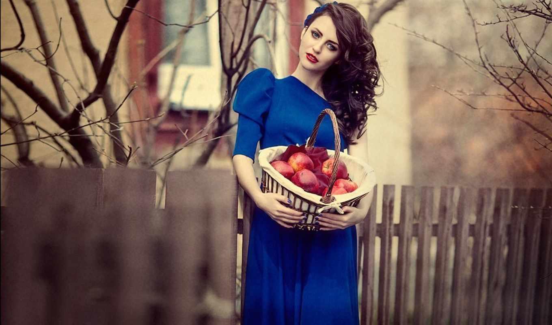 Красивые девушки в синих и голубых платьях: они очаровательны 11