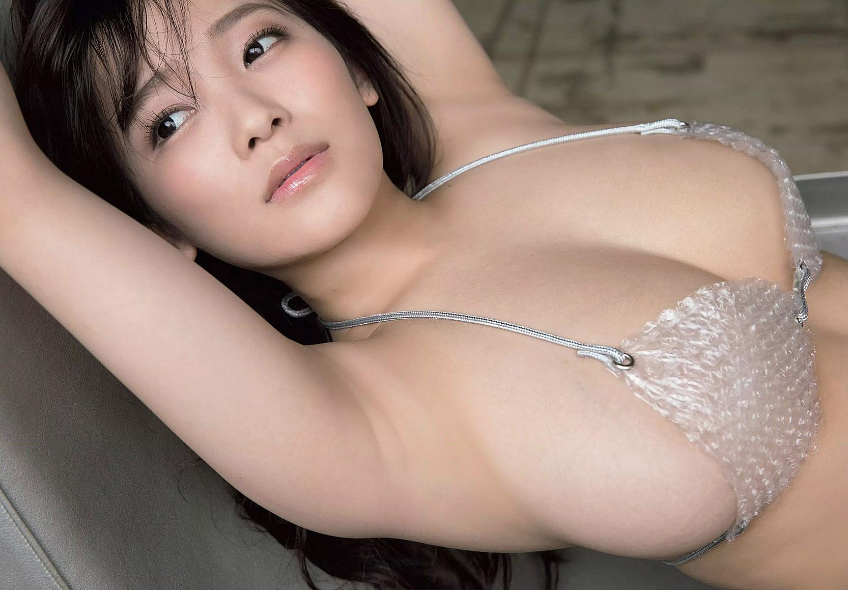 Джун Амаки (Jun Amaki) - горячая модель из Японии с большой грудью 4