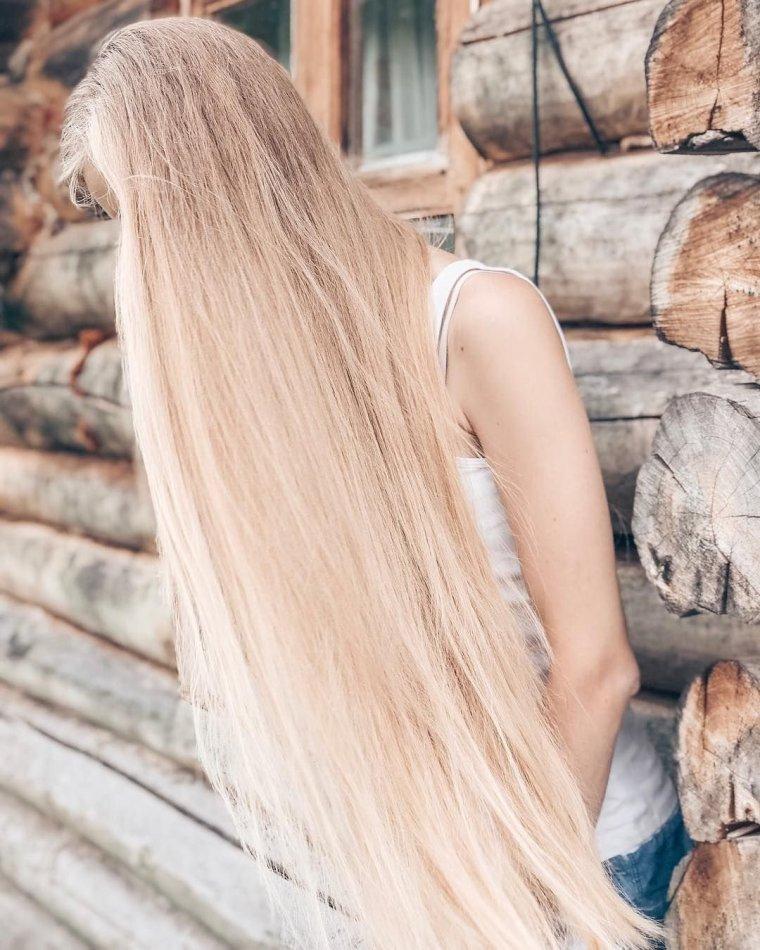 Блондинки с очень длинными волосами (16 фото) 5