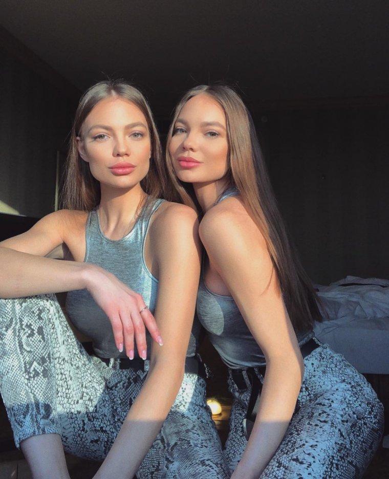 Фото красивых близняшек: сестры милашки 8