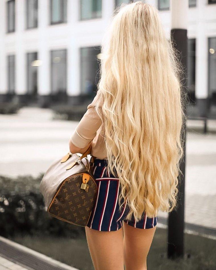Блондинки с очень длинными волосами (16 фото) 11