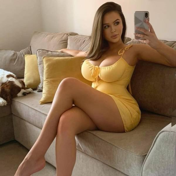 Худые девушки с большой грудью в обтягивающих платьях (21 фото) 12