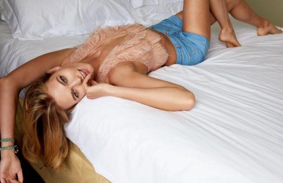 Супермодель Карли Клосс – лучшие фото стильной красотки