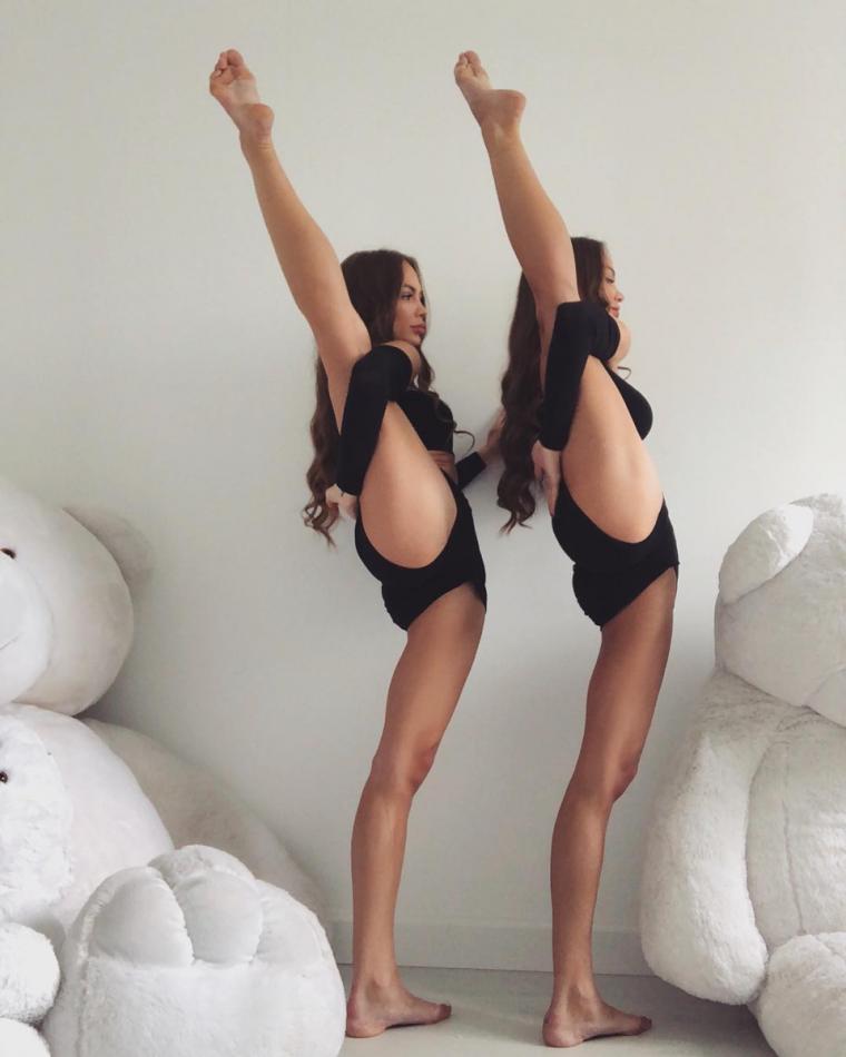 Фото красивых близняшек: сестры милашки 10