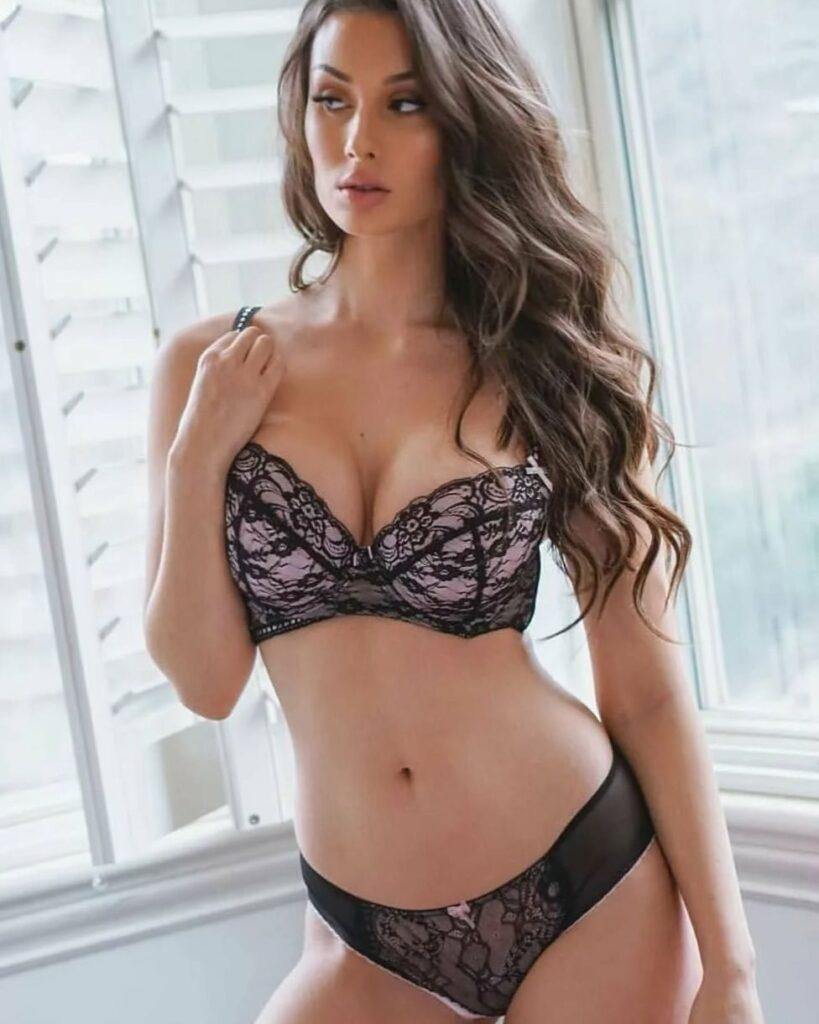 Красивые девушки в дорогом нижнем белье: самые сексуальные наряды 10