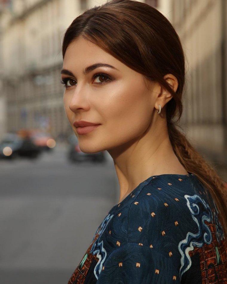 Ольга Ушакова - Фото телеведущей и матери 4-х детей 9